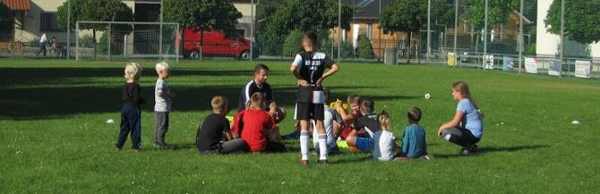 Hervorragende Teilnehmerzahl beim ersten Fußballtraining